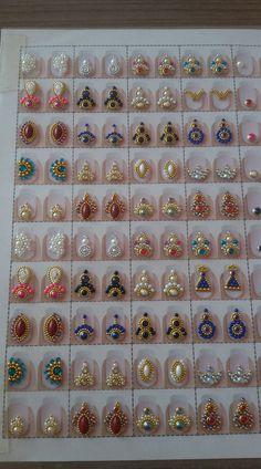 Unhas decorativas curso manicure Nail Jewels, Nail Art Rhinestones, Rhinestone Nails, Gel Nail Art, Nail Manicure, Acrylic Nails, Gem Nails, Sparkle Nails, Cute Nails
