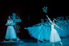 Oxana Skorik as Giselle and Tatiana Tkachenko as Myrtha in Giselle, Mariinsky Theatre - Photo by Jack Devant