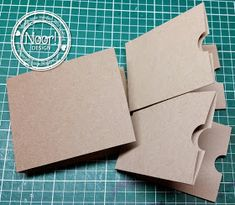 Journal - How to make double cardboard pockets - Noortje Design Art Journal Pages, Journal Cards, Mini Scrapbook Albums, Scrapbook Paper, Scrapbooking Technique, Baby Mini Album, Paper Bag Album, Old Greeting Cards, How To Make An Envelope