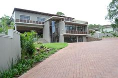 Sithume and The Rest - Sithume and The Rest is a boutique guest house set on the hilly, leafy surrounds of the beautiful central Westville suburb.  Sithume offers the finest accommodation, meals, and business and leisure facilities ... #weekendgetaways #durban #southafrica