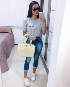 Casual Outfit Ideas For Summer 2018 from Casual Summer Outfits Plus Size any Women's Clothing Stores With Tall Sizes below Women's Clothes Nyc Classy Outfits, Trendy Outfits, Cute Outfits, Fashion Outfits, Summer Capri Outfits, Jean Capri Outfits, Capri Jeans, Looks Jeans, College Outfits