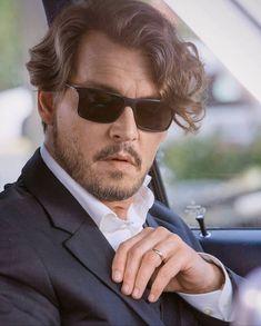 Johnny Movie, Johnny Depp, Man Crush, Crushes, Mens Sunglasses, Celebrities, Movies, Deep, Fashion