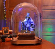 Hatbox Ghost Maquette by Kevin & Jody