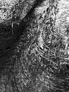 Trasseltyget som täcker väggarna. Scenograf Mona Knutsdotter. Fotograf Linda Sinkkonen. #Frankenstein #teater #theatre