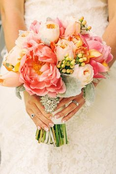 Coral and Yellow Wedding Ideas Happy Wedding Colors Coral Wedding Flowers, Bridal Flowers, Flower Bouquet Wedding, Floral Wedding, Bridal Bouquets, Pink Bouquet, Bouquet Flowers, Pastel Flowers, Perfect Wedding