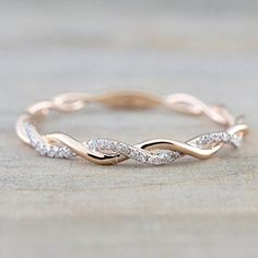 Rose Gold Round Cut Diamond Rope Twined Vine Engagement Pave Stackable Stacking Promise Ring Anniversary 14 k Rose Gold Runde Diamanten Seil gewunden Rebe Verlobung Stacked Wedding Bands, Wedding Rings Simple, Wedding Rings Rose Gold, Wedding Ring Bands, Trendy Wedding, Unique Rings, Simple Rings, Bridal Rings, Simple Rose
