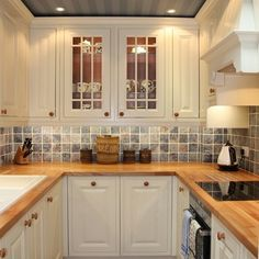 small ally kitchen layouts | London Traditional Kitchen u-shaped kitchen Design Ideas, Pictures ...