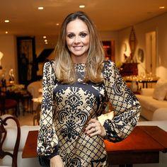 1567 Fabiana Alvarez 8.7   { São Paulo  Brasil}  Info: https://pt.wikipedia.org/wiki/Fabiana_Alvarez  Images: https://www.google.com/search?q=Fabiana+Alvarez&es_sm=93&source=lnms&tbm=isch&sa=X&ei=56yhVfeuI9PpoASZ3qhA&ved=0CAcQ_AUoAQ&biw=1920&bih=979