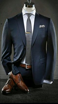 Outfit hombre  traje azul Estilo De Hombre ace641caaa82