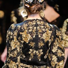 #golden #age #photoshoot #gold #and #black #baroque #runway #fashion #details