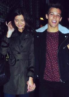 Lou and Eleanor in London. Yeah you have to be blind not to think this is cute. One Direction Girlfriends, One Direction Harry, Eleanor Calder, Louis And Eleanor, Cutest Couple Ever, Cher Lloyd, Louis Williams, Celebrity Couples, Hollywood Couples