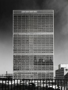 Ezra Stoller  The Metropolis strives to reach a mythical point where the world is... - but does it float