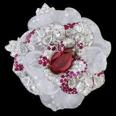 """Glamorous, luxurious, elegant, classy and stylish are the words that describe the Dior """"Le Bal des Roses"""" jewelry collection. Dior Jewelry, I Love Jewelry, Jewelry Accessories, Jewelry Design, Unique Jewelry, Red Jewelry, Pandora Jewelry, Glass Jewelry, Gold Jewellery"""