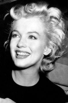 Marilyn Monroe beautiful smile with white teeth.