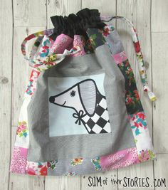 How to make a Drawstring Toy Bag — Sum of their Stories Craft Blog Craft Bags, Patchwork Bags, Easy Sewing Projects, Kids Bags, Christmas Inspiration, Handmade Toys, Drawstring Bags, Blog, How To Make