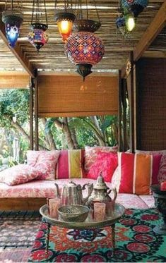 New Living Room Decor Indian Lounges Ideas Neues Wohnzimmer Dekor Indian Lounges Ideen indisch Ethnic Home Decor, Asian Home Decor, Bohemian Decor, Diy Home Decor, Bohemian Patio, Bohemian Style, Moroccan Decor, Moroccan Style, Bohemian Homes