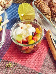 Süßer Schichtsalat, ein tolles Rezept mit Bild aus der Kategorie Dessert. 19 Bewertungen: Ø 4,3. Tags: Dessert, einfach, Frucht, Früchte, Party, Salat, Schnell, Sommer