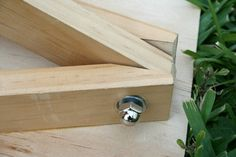 How to Make an Easel Table Easel, A Table, Handmade Furniture, Diy Furniture, Wood Projects, Woodworking Projects, Woodworking Plans, Diy Easel, Kids Wood