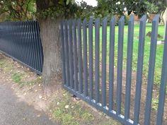 Segmentinės tvoros, Virintas tinklas, Modulinės, Metalo strypų, Skardos profilio, Medinės, Metaliniai stulpai, medinei tvorai, Kiemo vartai, vartų automatika   Metalo strypų tvoros
