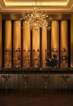 Bentley's Whiskey Bar Presents WGS Whiskey and Gin Tasting at Four Seasons Hotel Baku Architecture Restaurant, Hotel Restaurant, Restaurant Design, Restaurant Lighting, Interior Simple, Bar Interior Design, Club Bar, Luxury Bar, Modern Bar