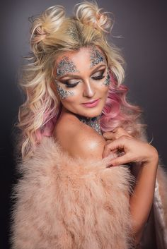 Beauty makeup, hair style, big waves, glitter, face jewel smokey eyes, fur coat, pink hair.