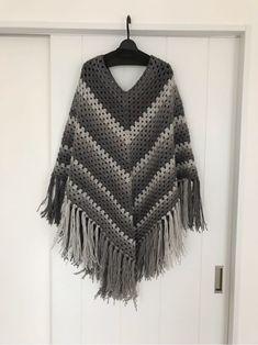 グラニーポンチョ。 - まいにち、てしごと。 Crochet Top, Skirts, Handmade, Tops, Women, Fashion, Crocheting, Moda, Skirt
