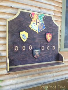 make your own Quidittch board for Quidditch games at home or for parties. #hp #harrypotter #quidditch www.barefootfive.com