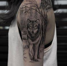 Wolve Tattoo - My list of best tattoo models Wolf Tattoo Shoulder, Wolf Tattoo Back, Small Wolf Tattoo, Wolf Tattoo Sleeve, Fox Tattoo, Grey Tattoo, Small Tattoos, Sleeve Tattoos, Tattoo Tribal