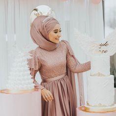 The picture may contain: 1 person Hijab Prom Dress, Hijab Style Dress, Hijab Evening Dress, Muslim Wedding Dresses, Muslim Dress, Bridal Dresses, Dress Outfits, Abaya Fashion, Muslim Fashion