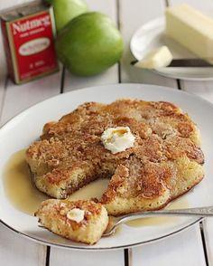 Apple Crumble Pancakes...looks delicious!