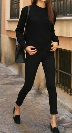 Black Outfit Ideas all black never goes out of style let dailydressme help you Black Outfit. Here is Black Outfit Ideas for you. Black Outfit black outfits that are slimming stunning and simple. Black Outfit the most stylish all . Mode Chic, Mode Style, Style Blog, Comfy Work Outfit, Smart Casual Work Outfit, Casual Work Clothes, Work Clothes Women, Style Clothes, Casual Work Outfit Winter