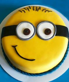 Minion cake decorating idea - image only More