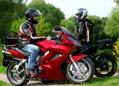 Body cooling heat stress relief for motorcycles