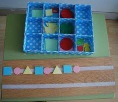 Material manipulativo para aprender a realizar series de formas, colores, tamaños, etc. Montessori Activities, Infant Activities, Educational Activities, Activities For Kids, Kindergarten Classroom, Kindergarten Activities, Early Years Maths, Sudoku, Shape Games