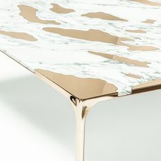 The designers at have teamed up with New York's Friedman Benda gallery on a coffee table that elegantly merges bronze with slabs of marble. Marble Furniture, Furniture Decor, Furniture Design, Metal Furniture, Bronze, Coffee Table Design, Modern Coffee Tables, Elle Decor, Luxury Interior