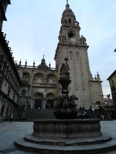 Fotografía: Sandra Rastelli- Santiago de Compostela San Francisco Ferry, Notre Dame, Building, Travel, Lisbon, Boating, Santiago De Compostela, Walks, Vacations