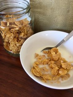 Peanut butter, honey, gluten free cornflakes and Agar to bind. Eating Healthy, Clean Eating, Whole Food Recipes, Healthy Recipes, Breakfast Cereal, Agar, Peanut Butter, Breakfast Recipes, Paleo