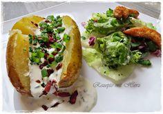 Backkartoffel mit Sauerrahmcreme und Speck