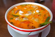 Tom Yam Gung Suppe THAILÄNDISCH Best Picture For Asian Recipes korean For Your Taste You are looking for something, and it is going to tell you exactly what you are looking for, and you didn't find th Vietnamese Recipes, Thai Recipes, Asian Recipes, Soup Recipes, Cooking Recipes, Vietnamese Food, Tom Yum Soup, Thai Soup, Vegetarian