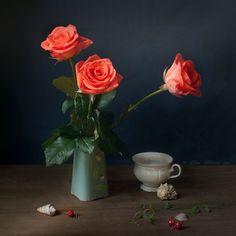 Bodegón, rosas. Elena Kolesneva.