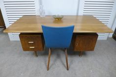 ≥ Prachtig retro vintage design bureau van A Patijn - Bureaus en Bureaustoelen - Marktplaats.nl