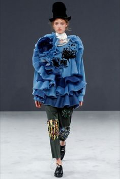 Sfilata Viktor & Rolf Parigi - Alta Moda Autunno-Inverno 2016-17 - Vogue