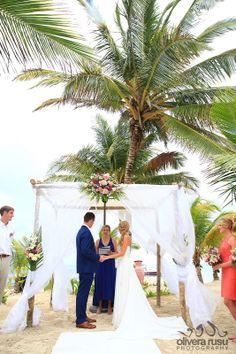 Just Married in Belize: Las Terrazas Resort, Belize #lasterrazas #destinationwedding #belize