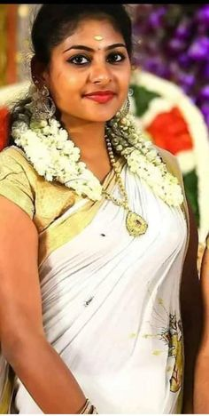 Stylish Girls Photos, Girl Photos, Family Photos, Beautiful Girl Indian, Beautiful Eyes, Beautiful Women Pictures, Gorgeous Women, India Beauty, Asian Beauty
