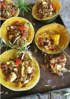 Another mouth-watering dish from the amazing Dalene Crafford: GEM SQUASH WITH GREEK MINCE FILLING Gem squash halves have their own built-in bowls, making them such wonderful organic containers for all kinds of fillings. Here I have decided … Continued Banting Diet, Banting Recipes, Mince Recipes, Raw Food Recipes, Cooking Recipes, Healthy Recipes, Lchf, Healthy Meals, Healthy Food