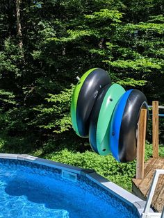 This DIY pool float storage solution uses PVC pipes to organize your pool toys. This is a great solutions for an above ground pool with a deck! Pool Toy Storage, Pool Float Storage, Above Ground Pool, In Ground Pools, Pallet Pool, Cool Pool Floats, Pool Hacks, Stock Tank Pool, Pvc Pipes