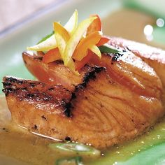 Honey-glazed salmon fillet.Very delicious and easy to make!