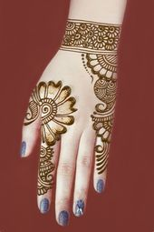 A beautiful mehndi designs for hands hope you like this simple henna designs Very Simple Mehndi Designs, Mehndi Designs For Kids, Henna Tattoo Designs Simple, Mehndi Designs Feet, Back Hand Mehndi Designs, Mehndi Designs Book, Mehndi Designs 2018, Mehndi Designs For Beginners, Mehndi Design Photos