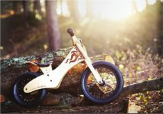 Aint't that super sweet?   Early Rider for little bikers - and they have some more sweet one's on their site <3