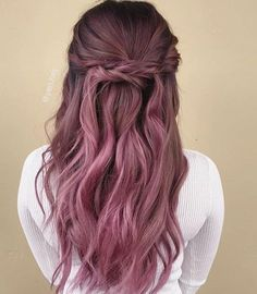 Rose gold fall hair trends The most beautiful hair ideas, the most trend hairstyles on this page. Ombre Rose Gold, Cabelo Rose Gold, Rose Gold Hair, Pink Hair, Hair Color Balayage, Ombre Hair, Fall Hair Trends, Dye My Hair, Dyed Hair